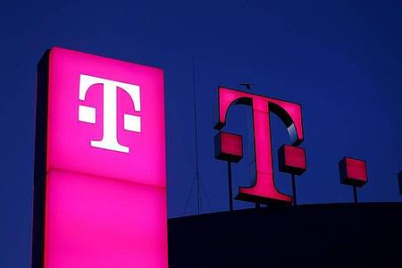Softbank-Deal: Telekom erhält Option auf Aktienmehrheit an T-Mobile. Foto: Oliver Berg/dpa