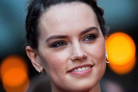 In der jüngsten «Star Wars»-Trilogie spielt Daisy Ridley die Jedi-Schülerin Rey. Foto: Andrew Cowie/EPA/dpa