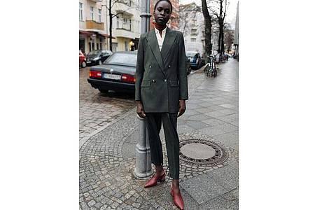 Die Anzugmode bleibt, keine Frage. Aber sie verändert sich. Hier ein Beispiel von Ivy & Oak (Blazer 189 Euro, Hose 139 Euro). Foto: Ivy & Oak/dpa-tmn