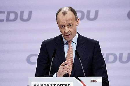 Möchte für den Hochsauerlandkreis in den Bundestag einziehen:CDU-Politiker Friedrich Merz. Foto: Michael Kappeler/dpa