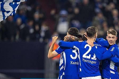 Der FC Schalke 04 trifft im DFB-Pokal auf 1860 München. Foto: David Inderlied/dpa