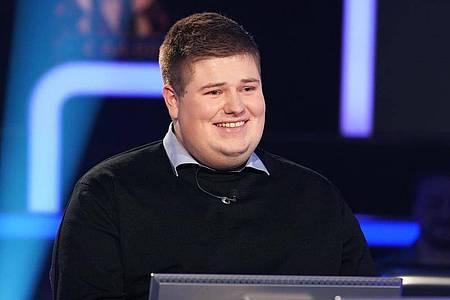 Johannes Volkmann ist zu Gast in der RTL-Quizshow «Wer wird Millionär?». Foto: Stefan Gregorowius/TVNOW/dpa
