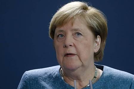 Bundeskanzlerin Angela Merkel (CDU) diskutiert mit der Autoindustrie über Zukunftsfragen. Foto: Markus Schreiber/AP POOL/dpa