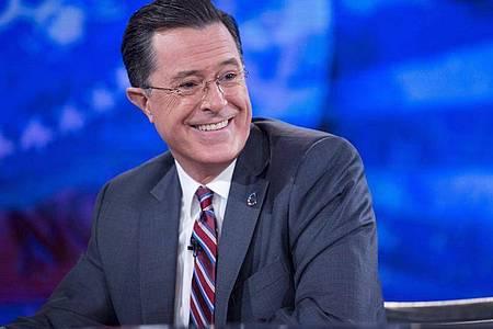 Stephen Colbert empfängt wieder Gäste im Studio. Foto: Andrew Harrer / Pool/epa/dpa