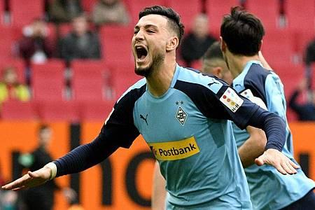 Mönchengladbachs Ramy Bensebaini geht selbstbewusst in die entscheidende Saisonphase. Foto: Stefan Puchner/dpa