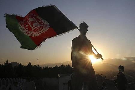 Zwischen den Taliban und der afghanischen Regierung finden ab Samstag Friedensgespräche statt. Foto: Rafiq Maqbool/AP/dpa