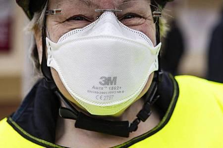 Ein Experte mahnt:Auch FFP2-Masken bieten niemals einen 100-Prozent-Schutz. Foto: Frank Molter/dpa