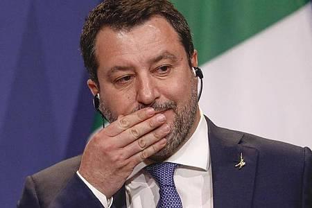 Will mit «erhobenen Hauptes» in den Prozess gehen: Matteo Salvini. Foto: Laszlo Balogh/AP/dpa/Archiv