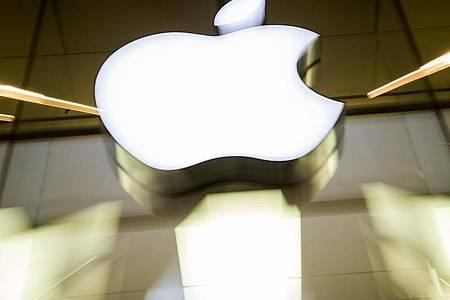 Die neue iPhones soll in diesem Jahr erstmals für den superschnellen 5G-Datenfunk gerüstet sein. Foto: Peter Kneffel/dpa
