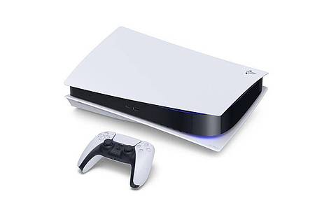 Ungewöhnliches Design:Die Playstation 5 sieht ganz anders aus als ihr Vorgänger - viele neue Features gibt es aber nicht, dafür deutlich mehr Rechenpower. Foto: Sony Interactive Entertainment/dpa-tmn