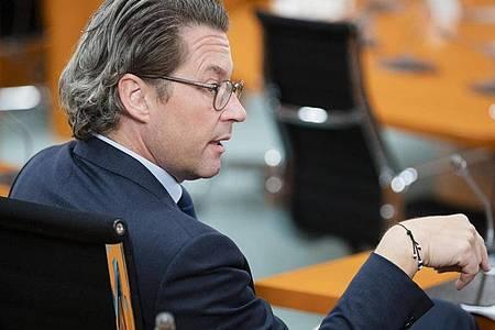 Der Maut-Untersuchungsausschuss hat einen Ermittlungsbeauftragten eingesetzt. Er soll das Abgeordneten-Postfach von Verkehrsminister Scheuer nach Kommunikation zur Maut durchsehen. Foto: Christoph Soeder/dpa Pool/dpa