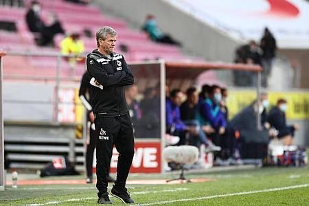 Friedhelm Funkel soll den 1. FC Köln zum Klassenerhalt führen. Foto: Rolf Vennenbernd/dpa Pool/dpa