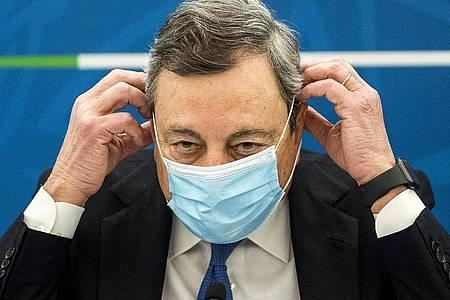 Italiens Ministerpräsident Mario Draghi will das Land mit EU-Milliarden wieder wirtschaftlich auf die Beine stellen. Foto: Roberto Monaldo/LaPresse/AP/dpa