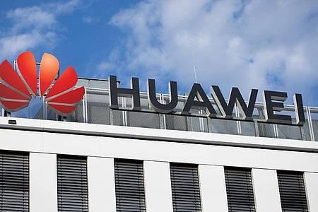 Blick auf die deutsche Huawei-Zentrale. Foto: Rolf Vennenbernd/dpa
