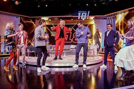 Rund 820.000 Menschen haben den Auftakt der neuen Fernsehshow «Gottschalk feiert: Nochmal 18!» im SWR Fernsehen verfolgt. Foto: Christian Koch/SWR/Talpa/dpa