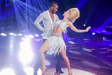 Die Tanzkünste von Tijan Njie und Kathrin Menzinger wird man nur am Fernseher verfolgen können. Foto: Rolf Vennenbernd/dpa