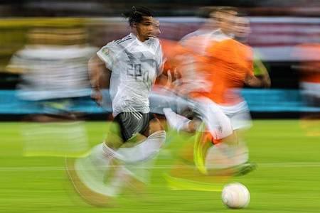 Während die Bundesliga wieder startet haben ander Sportarten ihre Saison bereits abgebrochen. Foto: Robert Michael/dpa-Zentralbild/dpa