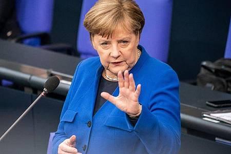 Einer Umfrage des Meinungsforschungsinstituts Allensbach zufolge ist die Mehrheit der Deutschen mit dem Krisenmanagent der Bundesregierung zufrieden. Dennoch trübt Corona hierzulande mehr und mehr die Stimmung. Foto: Michael Kappeler/dpa
