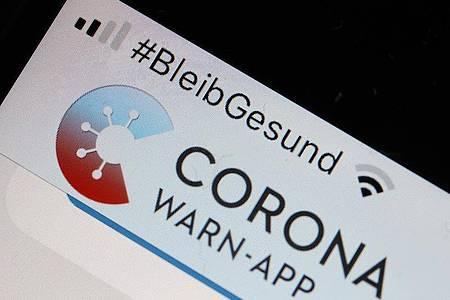 Die Corona-Warn-App hat seit heute zwei neue Funktionen. Foto: Oliver Berg/dpa