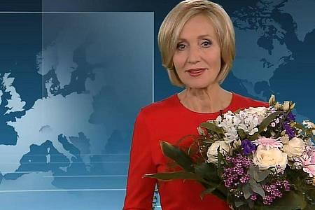 Zum Abschied gab es Blumen: Petra Gerster moderierte gestern ihre letzte «heute»-Sendung. Foto: -/ZDF/dpa