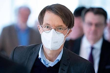 Karl Lauterbach (SPD) fordert ein Signal des Bundes gegen die Pläne in Thüringen. Foto: Kay Nietfeld/dpa