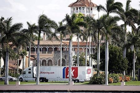 In das luxuriöse Anwesen in Palm Beach, Florida, hatte sich Ex-Präsident Donald Trump nach seinem Abschied aus dem Weißen Haus zurückgezogen. Foto: Terry Renna/AP/dpa