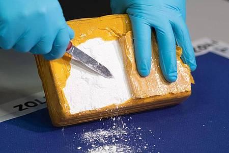 Nach Angaben der EMCDDA erreichte die in der Ländern der Union sichergestellte Menge an Kokain zuletzt mit 181 Tonnen im Jahr 2018 einen Rekordwert. Foto: Daniel Reinhardt/dpa