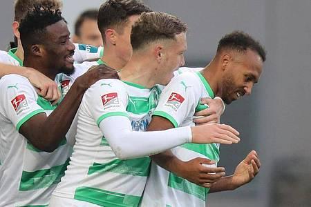 Greuther Fürth feierte einen souveränen Sieg gegen Jahn Regensburg. Foto: Daniel Karmann/dpa
