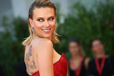 Scarlett Johansson, US-amerikanische Schauspielerin, erscheint zur Premiere des Films «Marriage Story» bei den 76. Internationalen Filmfestspielen Venedig. Foto: Joel C Ryan/Invision/AP/dpa/Archiv