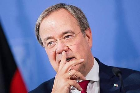 NRW-Ministerpräsident Armin Laschet (CDU) möchte weiterhin an die Spitze seiner Partei. Foto: Rolf Vennenbernd/dpa