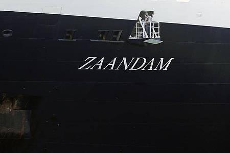 «Es sind schon vier Gäste gestorben und ich befürchte, dass weitere Menschenleben auf dem Spiel stehen», schreibt der Präsident der Reederei Holland America Line auf der Internetseite des Unternehmens. Foto: Arnulfo Franco/AP/dpa