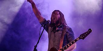 Sänger von Welshly Arms beim Konzert in Ahlen