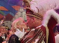 Kuss des Prinzenpaars