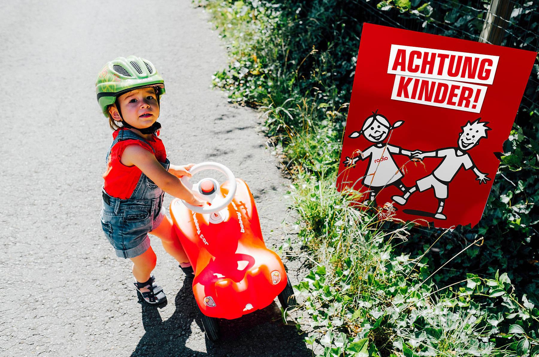 achtung-kinder-plakat