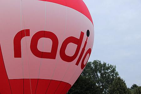 Heißluftballon mit radio-Branding
