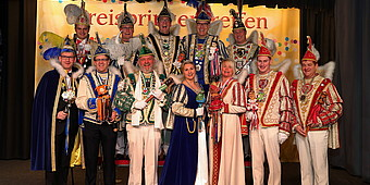 Gruppenfoto der Kreisprinzen in Warendorf